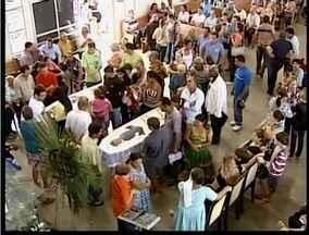Prefeito de São João do Manteninha e pai são velados nesta terça-feira - Homens foram vítimas de um acidente de carro.