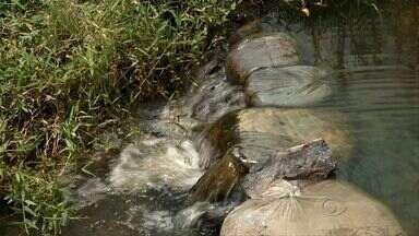 Projeto de Recuperação de Nascentes faz ação de preservação dos rios - O objetivo é fornecer água de qualidade às pessoas mais carentes e ajudar na recuperação e preservação dos rios com a ajuda da própria comunidade.