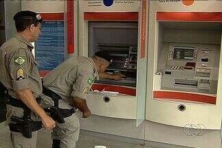 Polícia Militar apreende equipamento para furtar dinheiro de caixas eletrônicos em Goiânia - O equipamento estava em uma agência bancária no cruzamento das avenidas 85 e T-9.