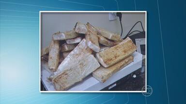 Homem é preso com quase 20 quilos de pasta base de cocaína - Droga foi encontrada no carro em que ele viajava com a família, vindo do MS.