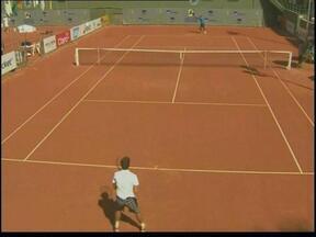 Orlandinho vence o Campeonato Internacional Juvenil de Tênis, em Porto Alegre - O tenista é natural de Carazinho, RS, e este é o terceiro título consecutivo dele nas últimas três semanas.