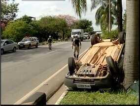 Alta velocidade é o principal motivos de acidentes no trecho urbano da BR-318 - Policiais registraram dez acidentes e uma morte no local apenas em 2014.