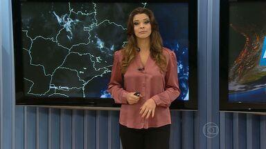 Tempo permanece chuvoso em boa parte de Minas Gerais - Pode chover forte mais uma vez em Belo Horizonte. Imagens de satélite mostram bastante umidade no estado.