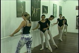Crianças de baixa renda têm a oportunidade de aprender ballet em Santa Maria, RS - As aulas são de graça e os alunos recebem conhecimento técnico e acompanhamento pedagógico.