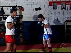 Após medalhas no estadual, lutadores de kickboxing de Ituiutaba retomam treinos - Treinos já são pensando na próxima competição. Motivação é com as vitórias no ultimo fim de semana, no Campeonato Mineiro da categoria