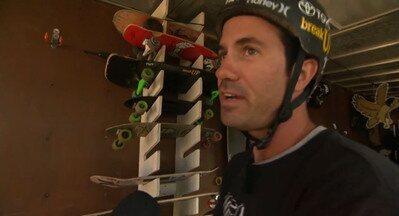 Chamada EE: Bob Burnquist mostra oficina de treinamento na Califórnia - Skatista se prepara para o desafio da Mega Rampa.
