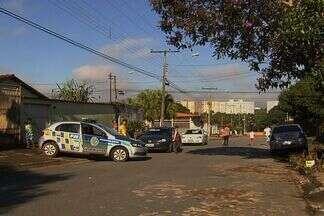 Um adolescente é baleado perto da escola onde estuda, em Goiânia - Jovem está internado em estado regular. Segundo testemunhas, ele acabou ferido mesmo sem reagir ao assalto.