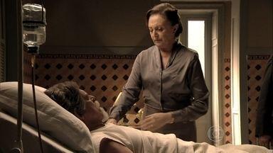 Gertrude revela como envenenou Catarina - Ele perdoa a ex-governanta. Sonan conta para Pérola que Manfred morreu