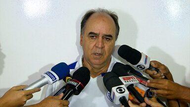 Técnicos de Cruzeiro e Atlético-MG comentam o clássico deste domingo - Marcelo Oliveira afirma que time rival se contagia com a torcida e fica mais forte; mas decisão será no Mineirão. Paulo Autuori acredita que a equipe alvinegra se comportou bem em campo.