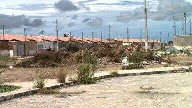 Moradores do Conjunto Jardim Royal denunciam falta de infraestrutura - A comunidade do conjunto no bairro Cidade Universitária também reclama de outros problemas.