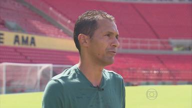Ex-ídolo Leonardo relembra conquistas da Copa do Nordeste - Como atacante do Sport, ex-jogador foi campeão em 94 e 2000