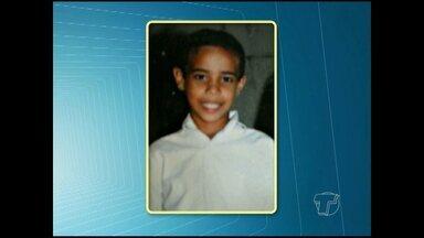 Bombeiros civis buscam por adolescente de 12 anos que desapareceu em rio de Oriximiná - Menino desapareceu no rio Trombetas, domingo (6).