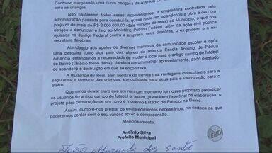 Moradores protestam contra construção de escola em campo em Varginha - Moradores protestam contra construção de escola em campo em Varginha