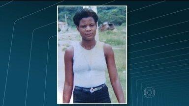 Governo assina acordo para pagar indenização e pensão à família de Claudia Ferreira - Claudia foi morta durante uma operação da PM no Morro da Congonha, em Madureira. O governo se comprometeu a pagar indenização por danos morais e materiais pela morte de Claudia.