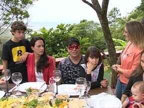 Músico catarinense vive romance parecido com o da novela Em Família - Músico catarinense vive romance parecido com o da novela Em Família