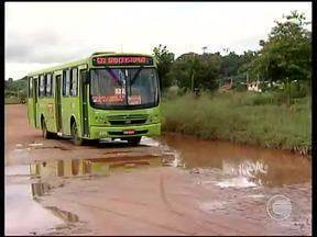 Chuvas estragam calçamentos e revelam fragilidade da pavimentação em Teresina - Chuvas estragam calçamentos e revelam fragilidade da pavimentação em Teresina