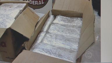 Em PE, caminhoneiro é preso com 52 kg de pasta-base de cocaína - Apreensão da droga ocorreu na Mata Sul.