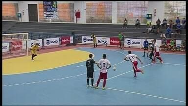 Os gols do fim de semana da Copa Brasília de Futsal - Partidas disputadas no ginásio do Sesc, na Ceilândia: Lago Sul 8 x 3 São Sebastião; Recanto da Emas 4 x 2 Cia; Gama 7 x 0 Águas Claras.