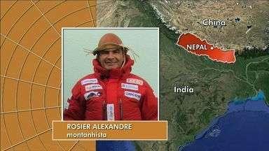 Rosier Alexandre fala sobre situação no Monte Everest - Montanhista falou por telefone como estão os dias depois da maior tragédia registrada no Monte Everest.