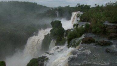 Argentinos constroem nova passarela nas cataratas - Passarela vai levar ao Salto San Martín, o segundo maior das cataratas do Iguaçu.