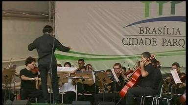 Orquestra anima frequentadores do Parque Olhos D'água - O Parque Olhos D'água, na Asa Norte, deu um presente para os frequentadores. A orquestra do Teatro Nacional se apresentou no fim da tarde.