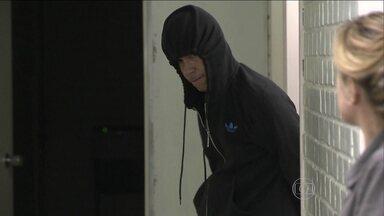 Motorista que atropelou oito pessoas em Brasília é preso no DF - Ele estava sob o efeito de álcool no momento do acidente. Uma mulher e uma adolescente morreram.