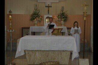 Várias igrejas celebraram a Missa do Domingo de Páscoa, em Campina Grande - Os fiéis lotaram as igrejas durante toda a programação religiosa.