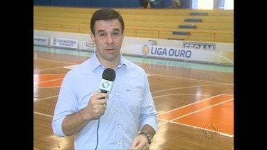 O time de basquete de Campo Mourão entra em quadra amanhã pela Liga Ouro - E precisa vencer para continuar na competição