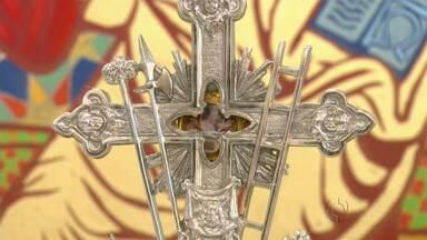 Relíquias de João XXIII e de João Paulo II estão expostas na Catedral em Maringá - Papas serão canonizados amanhã
