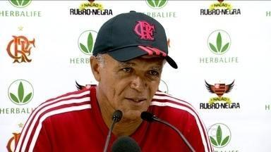 Jogadores do Flamengo confiam em Jayme para vencerem a primeira partida no Brasileirão - Atletas destacaram o jeito com que o treinador passa confiança e motiva o elenco.