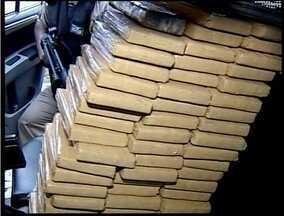 60 quilos de maconha foram apreendidos em Governador Valadares - Droga estava dentro de um banco de cimento.