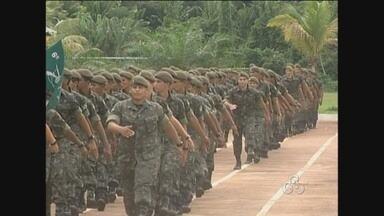 Em Guajará, mais de 100 recrutas ingressaram ontem no Sexto Batalhão de Infantaria e Selva - A cerimônia de formatura e entrega da boina marcaram o início da foramção dos soldados.