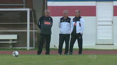 Técnico Levir Culpi chega ao Atlético-MG - Treinador foi apresentado no Rio Grande do Sul, onde o Galo enfrenta o Grêmio