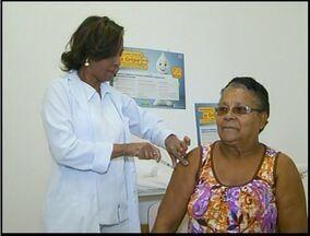 Dia da campanha de vacinação em Campos, RJ, não tem muita procura - Greve dos rodoviários interferiu na baixa procura.
