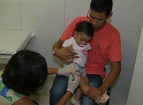 Em Caruaru, moradores procuram locais de vacinação contra a gripe - Campanha Nacional de Vacinação segue até o dia 9 de maio. Dia 'D' foi realizado neste sábado (26).