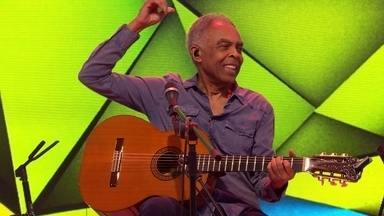 "Gilberto Gil canta ""Aquele abraço"" na estreia do novo Fantástico - Gilberto Gil canta sucessos no programa de estreia do novo Fantástico"