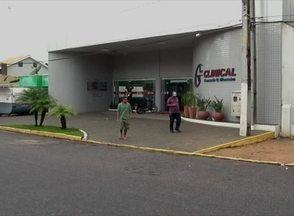 Em Garanhuns, Pedro Corrêa tem primeiro dia de trabalho em clínica - Ele está trabalhando com uma tornozeleira eletrônica de monitoramento. Pelos serviços, Corrêa deve receber um salário fixo mais comissão.