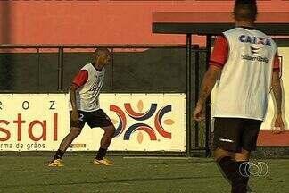 Marcus Winícius entra no time do Atlético-GO contra o Vasco - Volante ganha a vaga de Thiago Feltri, e João Lucas vai para a lateral