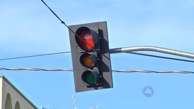 Cruzamentos de Cuiabá terão troca de semáforos - Alguns cruzamentos de Cuiabá terão que passar por uma troca de semáforos.