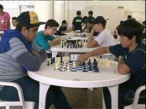 Mais de 1.600 alunos disputam os Jogos Escolares em Umuarama - Umuarama sedia a fase regional dos jogos até a próxima segunda-feira (06).