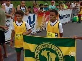 Meninos do Projeto Frutos do Brasil roubaram a cena no GP Teresina Corrida de Rua - Meninos do Projeto Frutos do Brasil roubaram a cena no GP Teresina Corrida de Rua
