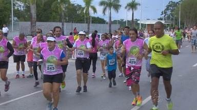 Corrida de mulheres contra o câncer é realizada em Manaus - Evento ocorreu na Ponta Negra.