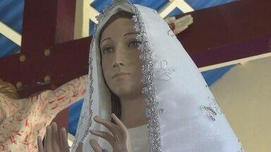 Romeiros de todo o Brasil visitam o Santuário de Itapiranga, no interior do Amazonas - Celebração especial lembrou os vinte anos de aparição da santa.