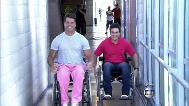 Veras e Fernando Fernandes disputam corrida de cadeira de rodas - Ex-BBB participa de movimento pelas pesquisas sobre a cura da lesão medular