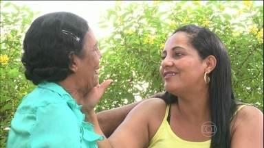 Filha decide doar o rim para a mãe - Foram três anos de hemodiálise até descobrir a Fundação Pró-Rim em Joinville (SC). A filha fez contato com a instituição e começou uma bateria de exames para saber se poderia doar um rim para a mãe. A resposta foi positiva.