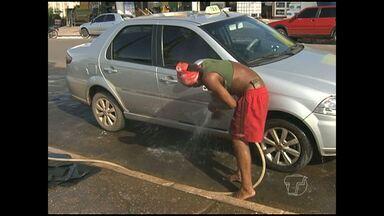Semma anuncia retirada de lavadores de carros na orla de Santarém - Quem anda pelo cais precisava disputar espaço com os lavadores de carros que tomam conta de alguns trechos.