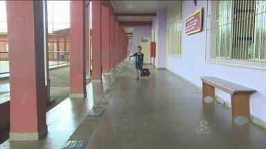Ano letivo inicia para cerca de setecentos alunos da Escola Municipal Padre Chiquinho - A escola funcionava como abrigo para atigidos pela cheia do Rio Madeira.