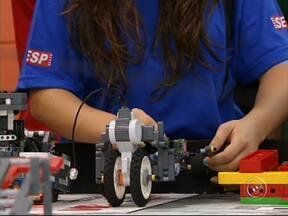 Robô criado por estudantes de Jundiaí representa Brasil em campeonato mundial - Um robô criado por estudantes de Jundiaí ganhou destaque em competições regionais, estaduais e até nacionais. O pessoal vai representar o país no campeonato mundial de robótica no Canadá, em junho.