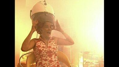 Incêndio no salão de beleza de Marilda marcou A Grande Família - Momento foi ao ar em 2004