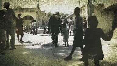 Haitianos tentam nova vida no Brasil - Série de reportagens contam o trabalho feito pelos militares do 2º Batalhão de Infantaria Leve de São Vicente
